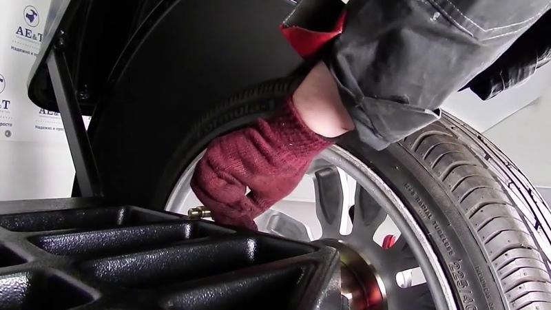 Стенд балансировочный B-600 AET для колес легковых автомобилей