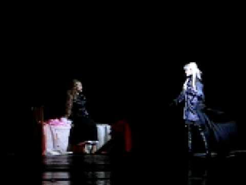 2012 Мюзикл Элизабет Хворь