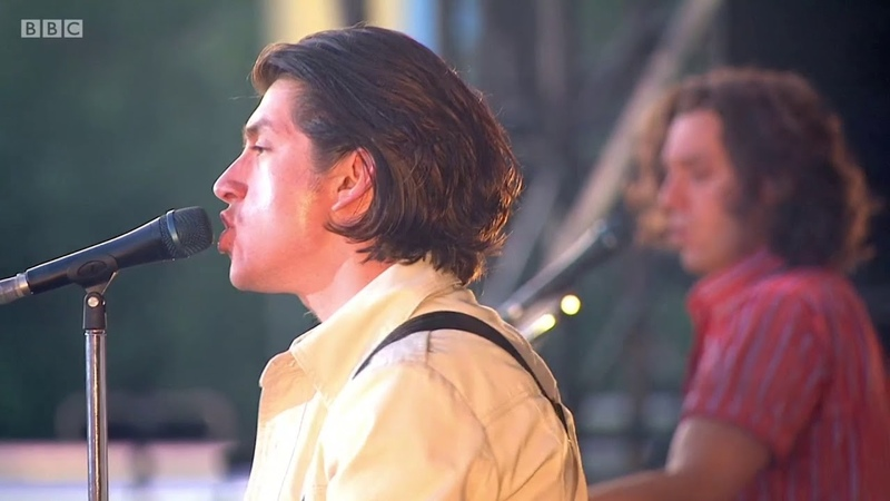 Arctic Monkeys Don't Sit Down 'Cause I've Moved Your Chair LIVE AT TRNSMT 2018