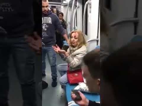 Украинские фашисты избивают людей в римском метро