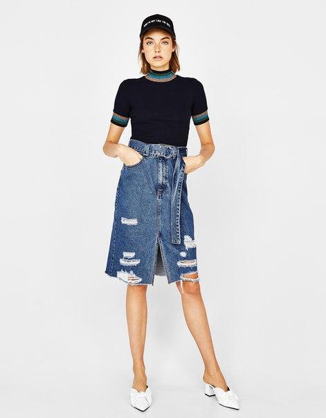 Джинсовая юбка с ремнем