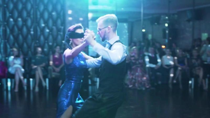 Школа танцев Романа Ковгана Танец с закрытыми глазами