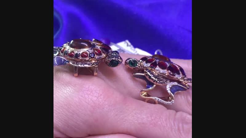 Черепашки- символ долголетия и вечной любви.❤️🧡💛💙 ЗОЛОТО, янтарь , эмаль , гранат .
