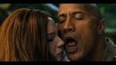 Первый поцелуй Спенсера и Марты. Момент из фильма Джуманджи Зов джунглей