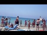 Клубный танец на пляже)