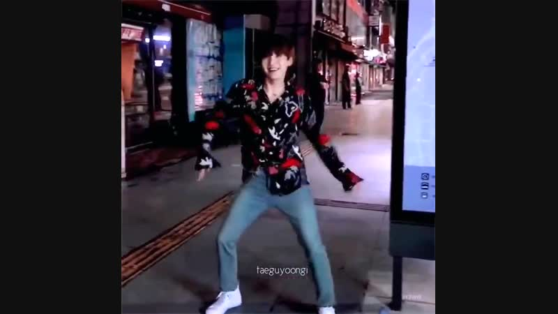 Yoongi's arm dance whenever he's excited is the cutest thing ever, iM SO SAD