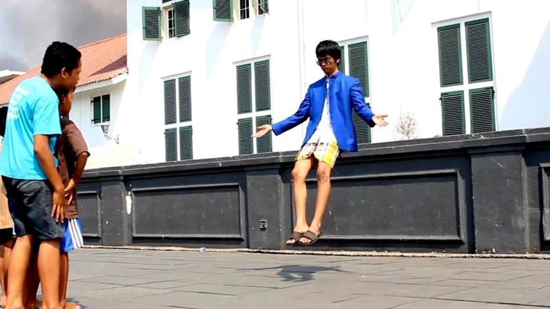Flying Man In Public Caught On Tape Camera abracadaBRO Best Levitation Magic Tricks Prank