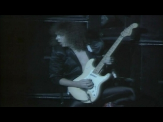 YNGWIE MALMSTEEN : Far Beyond The Sun (HD)