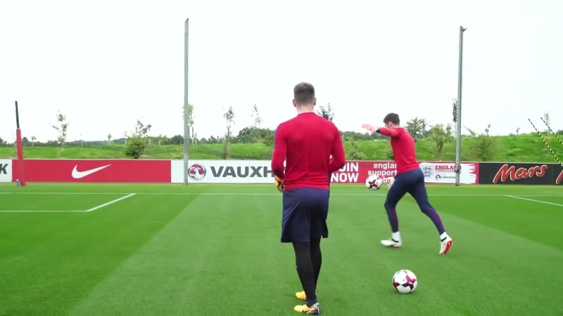 England goalkeeping session with Hart, Butland, Heaton and Woodman - Inside Training.mp4