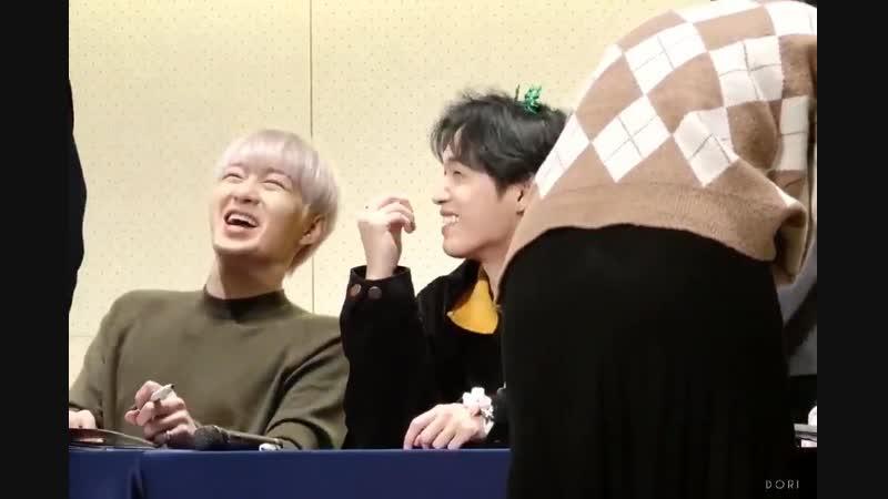 FANCAM 24 11 2018 BTOB @ Hongdae Fansign Фокус на Чансоба и Хёншика