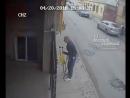 Юноша ограбил пенсионера инвалида
