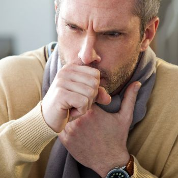 Каковы наиболее распространенные причины болей в пояснице при дыхании?