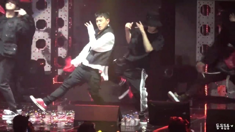 180609 iKON Private stage KOLORFUL 동혁 solo stage (HUMBLE.)