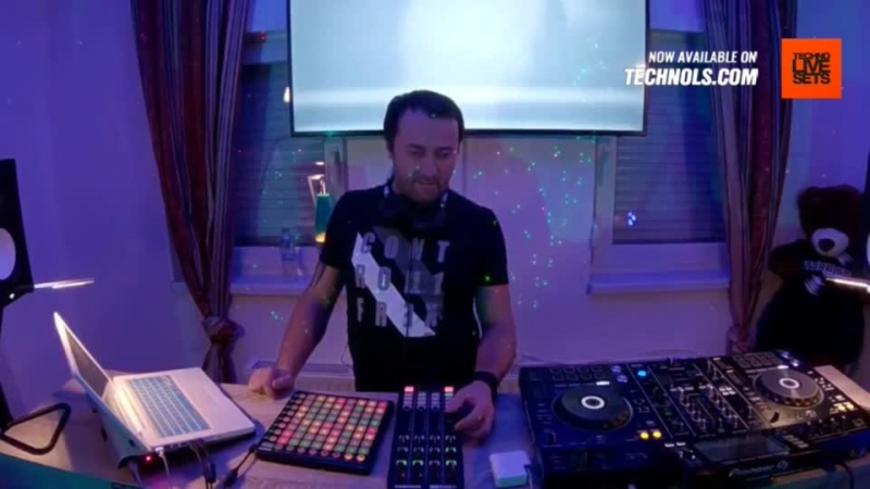Techno music with Sthekerson - Top DJ Room Periscope