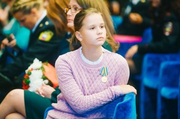 прочитайте об этой девочке!.. «это не бузова, не жена джигарханяна и уж тем более не шурыгина — она истинная русская девочка, о которой из века в век писали поэты и писатели… девочка выжила в