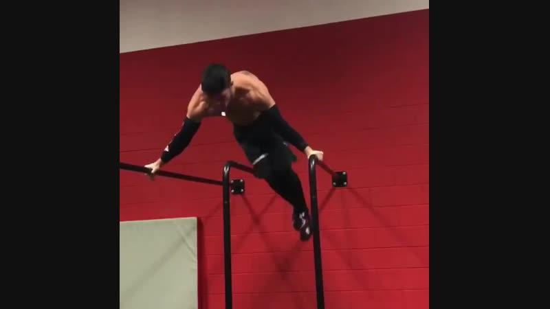 Planche Training   @gaggiyatarov