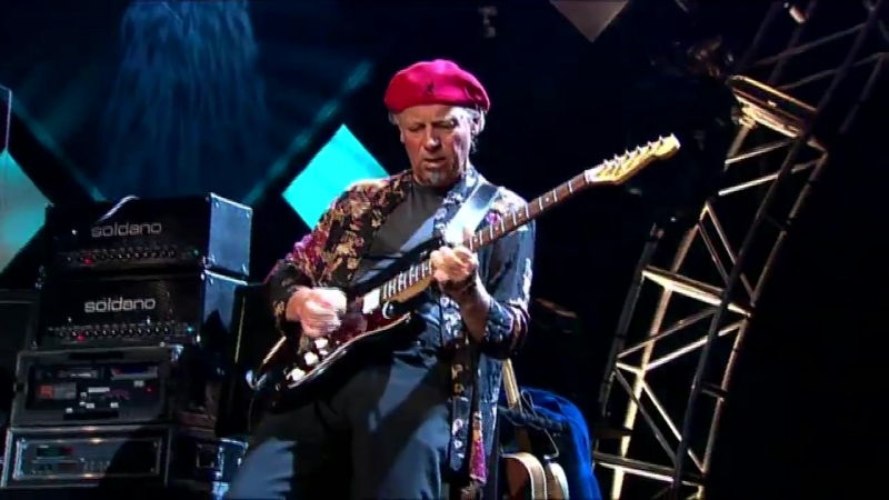 Jethro Tull – Aqualung (live at Montreux 2003)