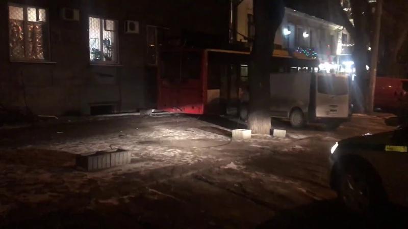 В Одессе легковая машина вырезалась в троллейбус