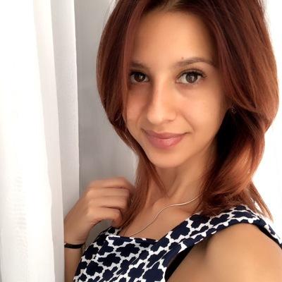 Мая Эсенова
