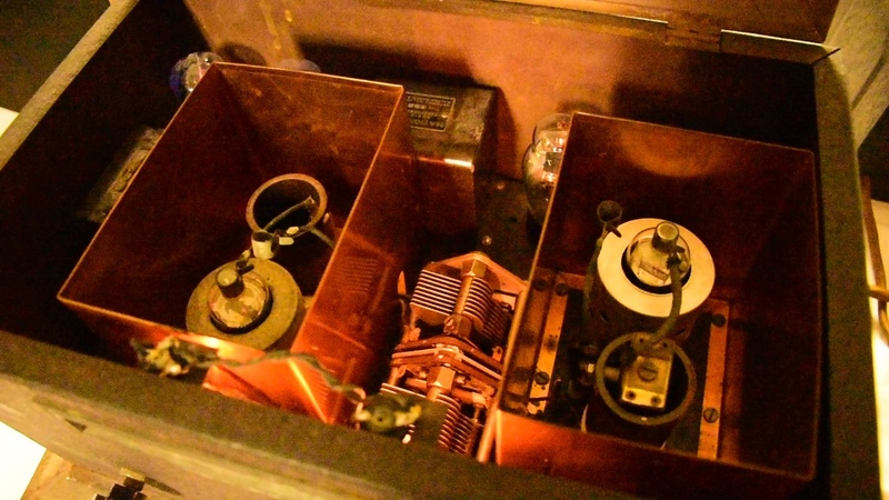 Thrilling with a 1932 National SW-58 thrill box regenerative radio receiver