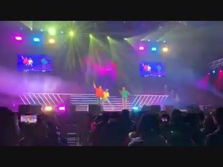 190222 - JYPNBG [выступление танцевальной команды парней с песней группы H.O.T