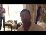 Хью Джекман и поющий мужчина в трико (VHS Video)