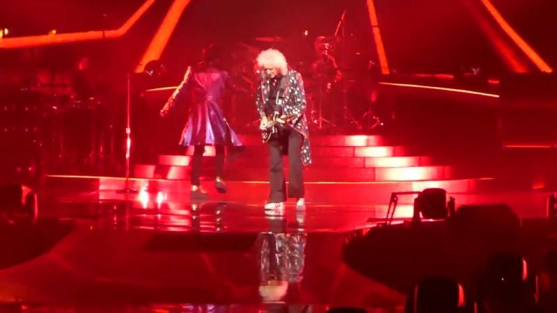 VEGAS9 Queen Adam Lambert - Tie Your Mother Down @ Park Theater LV 20180921