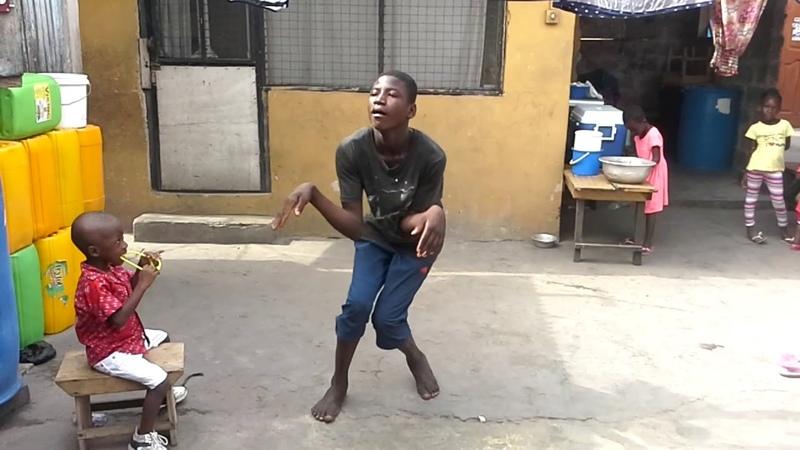 One conner dancing j223 4