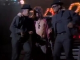 RUN-DMC ( feat Aerosmith) - Walk This Way (Video)
