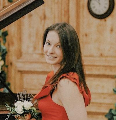 Анна Якушева