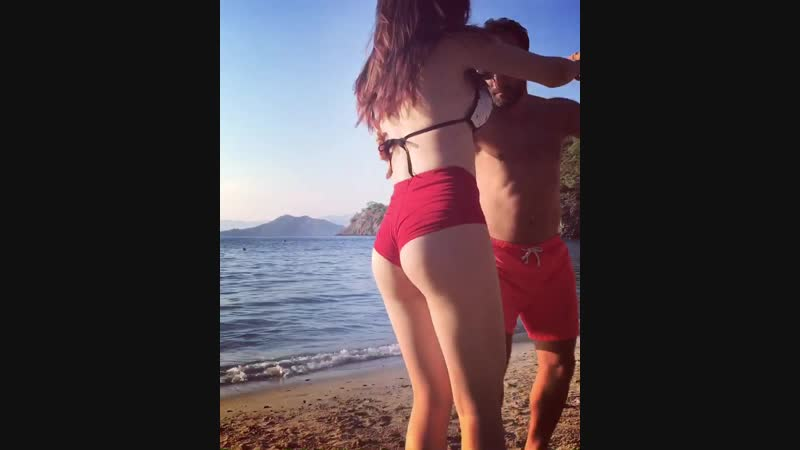 Natalita Emre in Help Beach