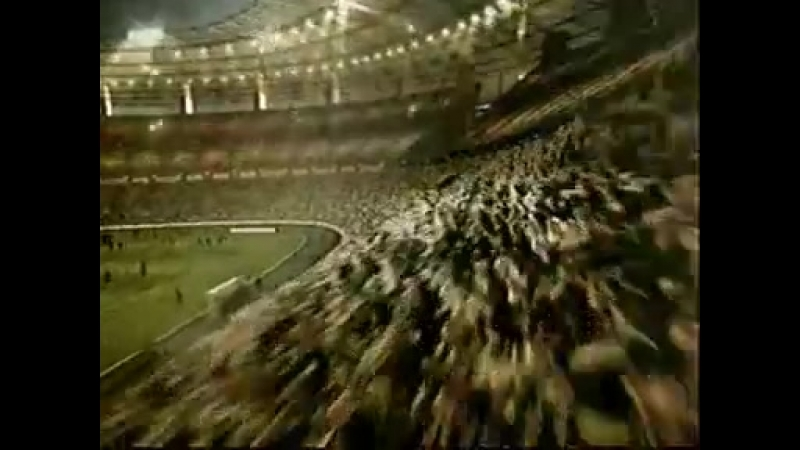 Реклама батончика Snickers. 2003 год