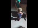 Даша любит танцевать