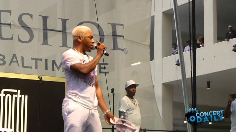 Sisqo performs Thong Song Live at Baltimore Horseshoe