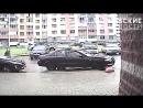 Неуклюжей автоледи не показалась странной оставленная ей вмятина на чужой машине