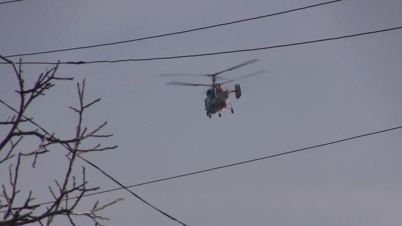 Вертолет санитарной авиации Ансат низко над Жуковкой.Керчь.Сериал Жуковка.