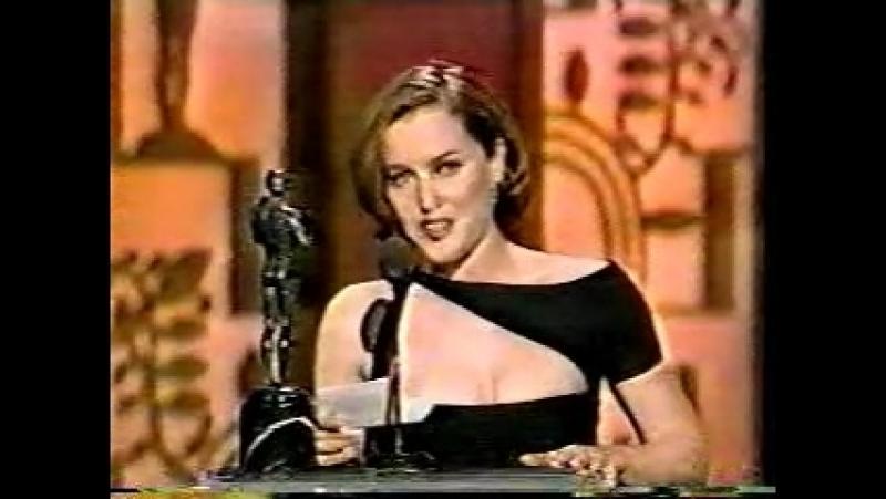 Screen Actors Guild Awards 1997. Gillian Anderson