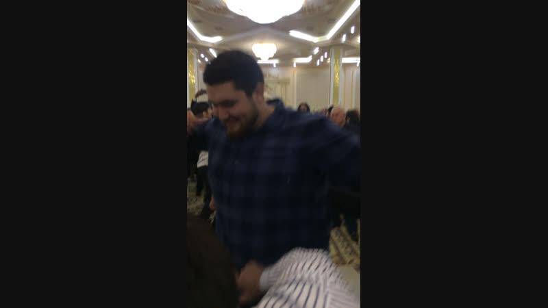 Гебек Мирзаханов когда 130кг не помеха для лезгинки 💪🏻