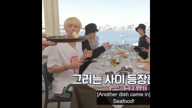 Seokjin's reaction when the seafood arrived, what a mood