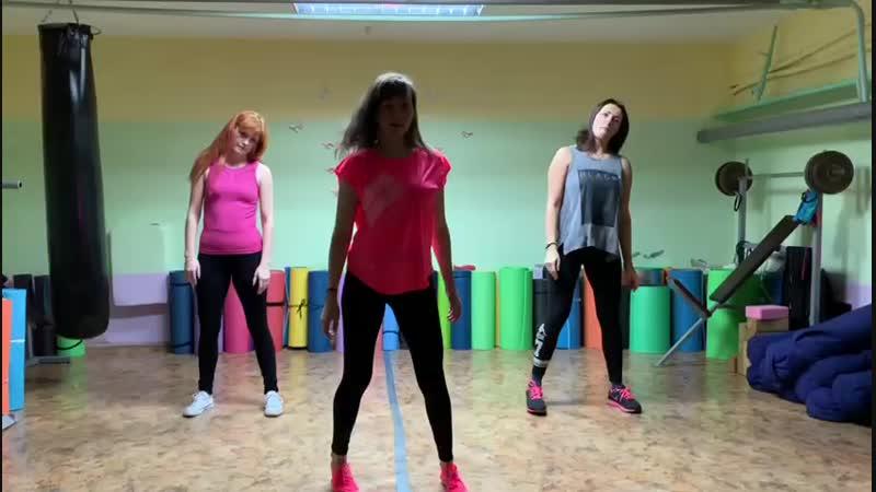 Танцевальная аэробика в стиле реггетон. Тренер - Кристина Акишева