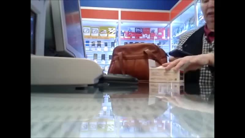 Бабка в салоне сотовой связи-уважуха продавцам