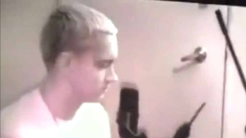 Eminem records prank calls for promo cassette with The Marshall Mathers LP snippets spring 2000
