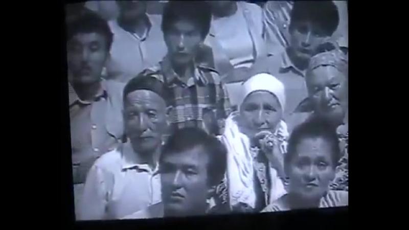 Boztorgay Kazak Turkuleri - Мейрамбек Беспаев Бозторгай.mp4