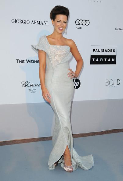 Кейт Бэкинсейл в белом