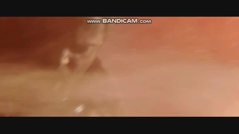 Суртур атакует Тора пламенем из меча