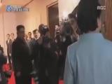 Ким Чен Ын оттолкнул фотографа