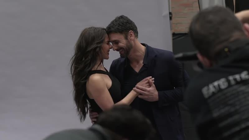Рауль Бова и Кейт дель Кастильо в фотосессии для 2 сезона сериала Королевы юга
