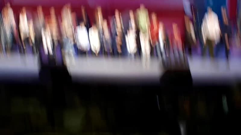 А.Рожков и В.Мясников(Уральские пельмени) провели конкурс с детьми из зрительского зала