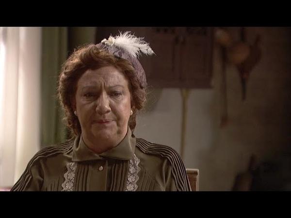 Dolores alucinada y preocupada con el trato de Antolina a Elsa