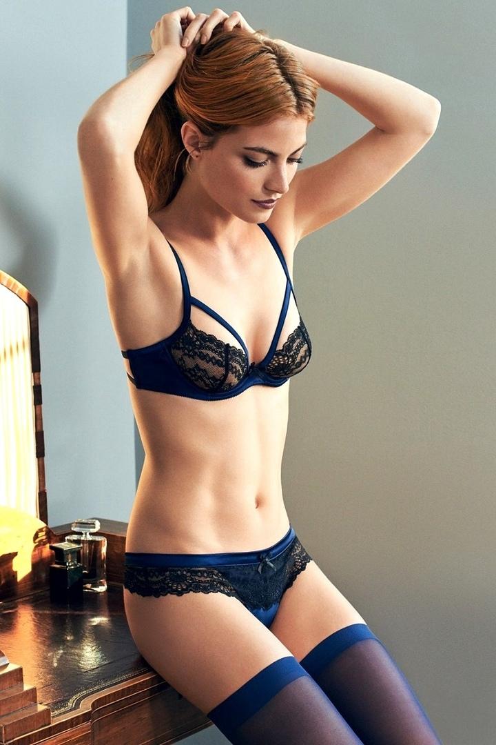 Glamour model extreme sex